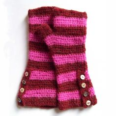 Striped Crochet Gloves with button up cuff - pdf pattern.  Love =)