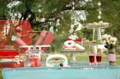 christmas in july party ideas, juli parti, water balloons, christmas tables, summer desserts, christmas in july parties, dessert party, parti idea, outdoor christmas