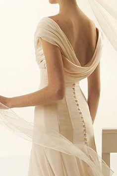 wedding dressses, button, gowns, corset, look books, stunning wedding dresses, bride, destination weddings, back details