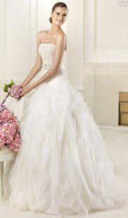Colecciones de Pronovias para 2013: Fashion y Glamour | Preparar tu boda es facilisimo.com