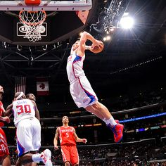 Cool action shot of the Clipper vs. Rockets game on Saint Patty's Day!