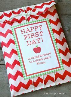 Teacher Appreciation Printables- Make sure to treat you teacher on the first day of school.  Think of it as a class warming gift