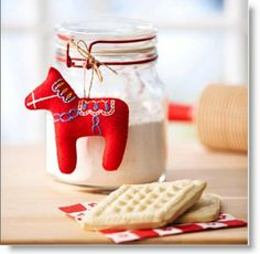 Dala Horse Christmas Ornament tutorial