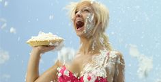get in a pie fight
