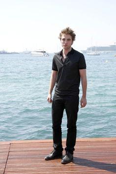 Robert Pattinson at the Photocall for The Twilight Saga: New Moon