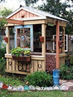 Mary's potting shed made the cover of the 2013 issue of the Flea Market Gardens magazine. Congratulations, Mary!