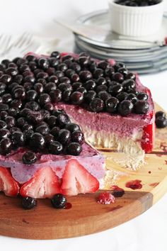 (Vegan) (Raw) Blueberry Strawberry Banana Ice Cream Cake