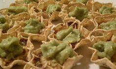 Emily Bites - Weight Watchers Friendly Recipes: 15 Minute Black Bean Nachos with Guacamole