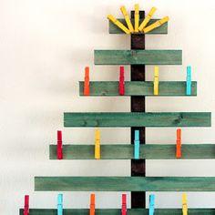 Arvore de Natal de material reciclavel... fonte ,Prendada e Caprichosa