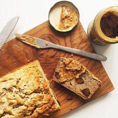 CHIA AND DATE BUCKWHEAT BANANA BREAD via www.superfoodsiobhan.com/ // #banana #BananaBread #Chia #Date #recipe