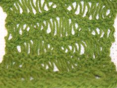 Loom Knit - How to do the Seafoam Stitch on a Loom.  By Lori Holleman.
