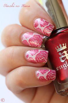 Pink roses nail art. #nails #nailart #nailpolish #manicure