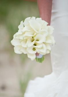 Bouquet with white calla lilies - simple and lovely