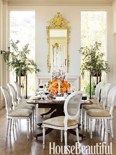 Relaxed elegance defines the dining room.