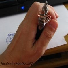 A fantastic! wire wrapping tutorial Even I think I could do this!
