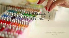 Vídeo demonstrativo de como fazer uma corujinha de feltro e tecido! Para baixar o PAP clique aqui: http://ericacatarina.blogspot.com.br/2013/01/apostila-corujinha.html