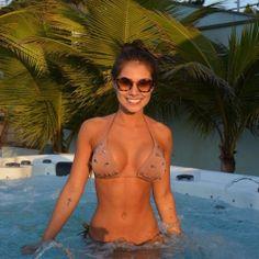 Busty bikini girl