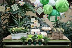 Safari Baby Shower Ideas #invitation #peartreegreetings #jungle #animals