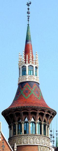 Barcelona - Diagonal 420 04, via Flickr. Casa de les Punxes
