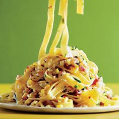 Pasta Carbonara with Corn and Chiles | http://www.rachaelraymag.com/Recipes/rachael-ray-magazine-recipe-search/rachael-ray-30-minute-meals/pasta-carbonara-with-corn-and-chiles