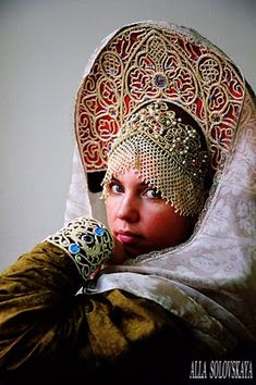 Kokoshnik is one of the very important elements of Russian traditional clothing.  (3)