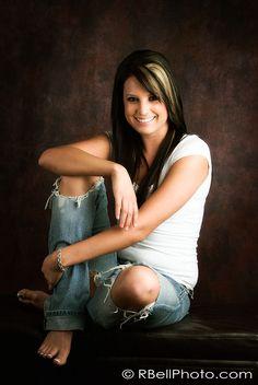 Senior Portraits - Posing ideas, torn jeans.
