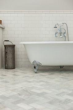Clawfoot tub on carr