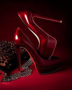 ♥♥ Deep dark red high heel shoes #shoes #heels #highheels #redhighheels #redheels #resshoes ~ pinned by #jevel #jevelwedding #jevelweddingplanning www.jevelweddingplanning.com Follow us: www.facebook.com/jevelweddingplanning/ & www.twitter.com/jevelwedding/
