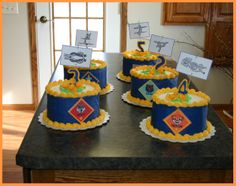 blue and gold cakes ideas - Yahoo Search Results