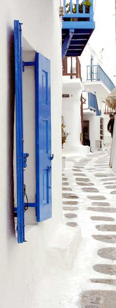 Mellowing out in Mykonos , Greece
