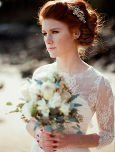 Textural bridal bouquet | Kirill Bordon Photography | see more on: http://burnettsboards.com/2014/06/west-coast-bridal-inspiration-shoot/ #beachwedding