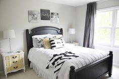 Guest room updates with B&W decor on iheartnaptime.com