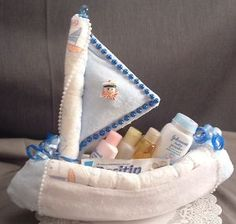Diaper Sailboat  This would be good for a baby shower gift ;)