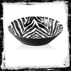 A zebra print pasta bowl that can add that extra splash of décor to the dinner table. #AnnasLinens #AnimalPrint