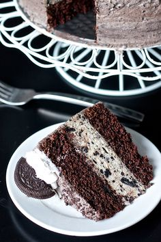 Oreo layer cake #desserts #dessertrecipes #yummy #delicious #food #sweet