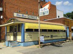 Blue Moon Diner, Gardner, Mass. (Worcester Lunch Car Co.)