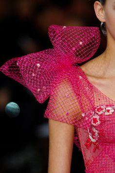 PINK mesh Bow-MAISON Kiss Kiss LONDON