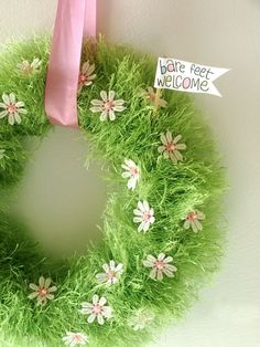 This is an easy Spring/Easter wreath to make