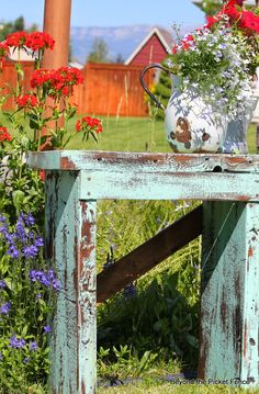 A Little Blue Stool or Table http://bec4-beyondthepicketfence.blogspot.com/2014/07/a-little-blue-stool-or-table.html#more