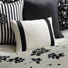 Black and White Home Decorations | SocialCafe Magazine #SilkDegreesHOME