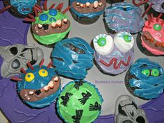 morena's corner: Make Silly Scary Face Cupcakes!