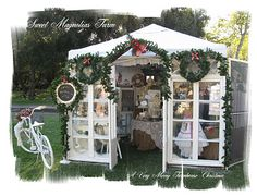 Gorgeous Christmas themed booth!  Love it!