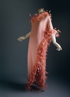 1968-1969, France - Evening dress by Hubert de Givenchy - Silk, feathers