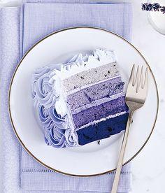 Årets Farge 2013, er tydelig innenfor flere livsstilskategorier, både interiør, mote og ikke minst mat.     Oppskriften på denne vakre kaken, finner du ved å klikke på bildet.