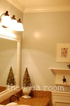 DIY framed mirror |Pinned from PinTo for iPad|