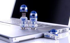 R2-D2 Flash Drives