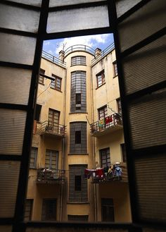 Palazzo Falletta, Asmara, Eritrea    Inner court,Palazzo Falletta, Art deco building in Asmara Eritrea, built in 1937 Harnet avenue