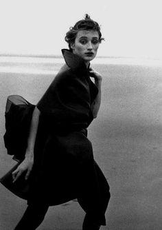 Peter Lindbergh - Marie Sophie - Comme des Garçons 1987 - Deauville