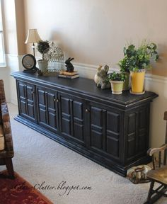 Classic Black Console Makeover - includes a tutorial on how to get a Pottery Barn look on thrifted/yard sale furniture - www.classyclutter.net Pottery Barn Inspired, Furniture Makeover, Potteri Barn, Consol Makeov, Furniture Buffet, Staining Furniture Black, Distressed Black Furniture, Buffet Furniture, Console Tables