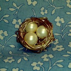Little birdie's nest ... Necklace or Pin?